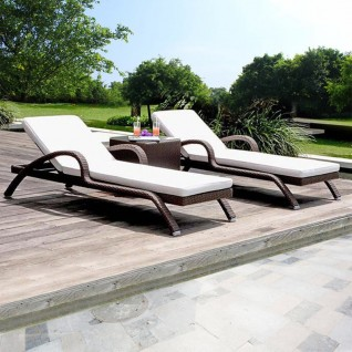 Garden furniture set in rattan